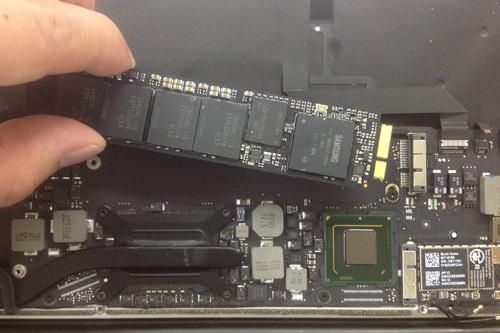 Macbook Air A1369(13インチ) ロジックボード交換方法16