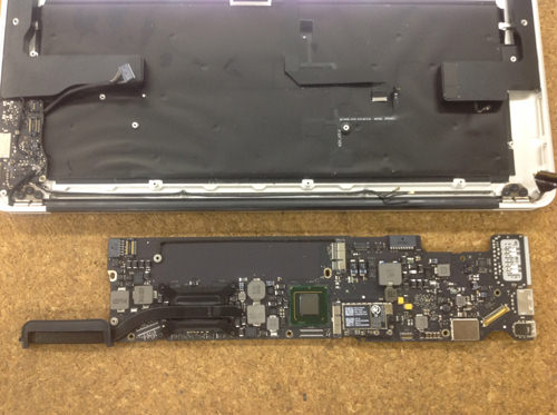 Macbook Air A1369(13インチ) ロジックボード交換方法18