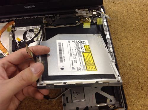 macbook A1181 ドライブ交換方法5