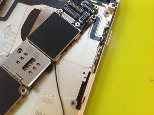 iphone6s ラウドスピーカー分解方法7