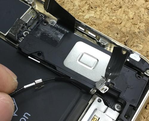 iPhone6sPlus ラウドスピーカー交換.分解方法7
