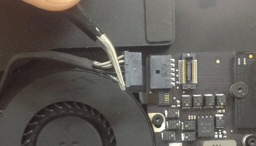 Macbook Air A1369(13インチ) FAN(ファン)交換方法4