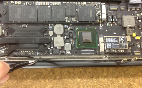 Macbook Air A1369(13インチ) 液晶パネル交換方法8